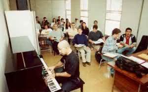 Faculdade de Música - Cursos para 2º semestre 2012